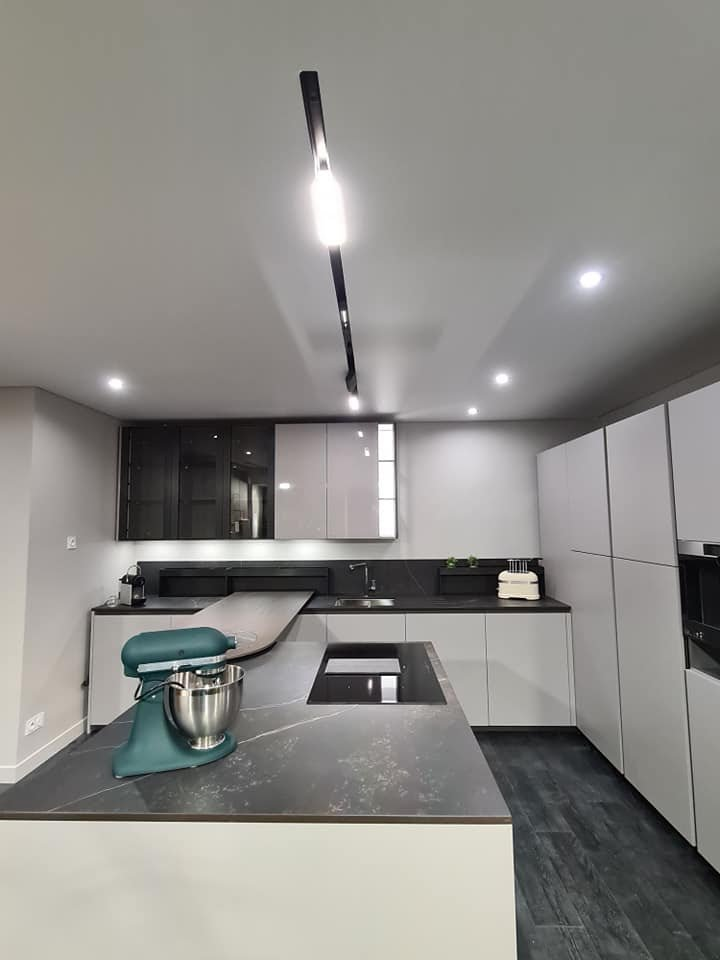 Track lighting system in kitchen 2